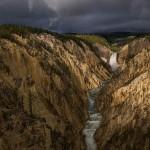 Фотографии и картины с изображением таких достопримечательностей, как Большой каньон, вдохновили Конгресс на создание Йеллоустонского парка в 1872 году.