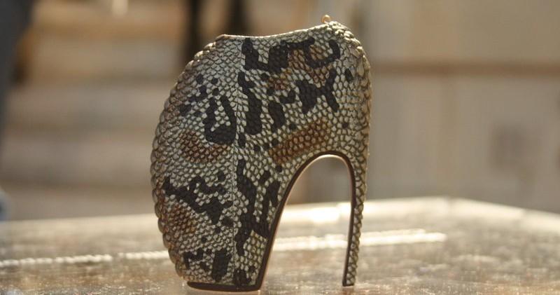 10 самых популярных туфель на высоких каблуках, известных человечеству
