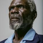 67-летний Герд Гаманаб обратился за медицинской помощью слишком поздно. Солнце и пыль Намибии за многие трудовые годы разрушили роговицы его глаз.